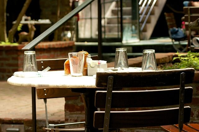 restaurant-842342_640